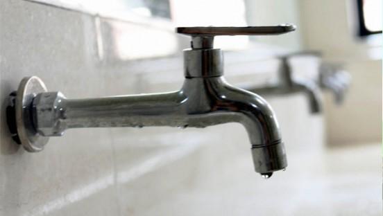 工业园区:临近春节停水数日 村民遭遇用水难