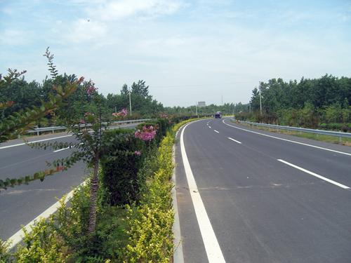 其中,503省道淮安机场连接线项目全长21公里,概算投资8.